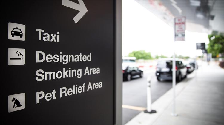 RDU-pet-relief-area-sign